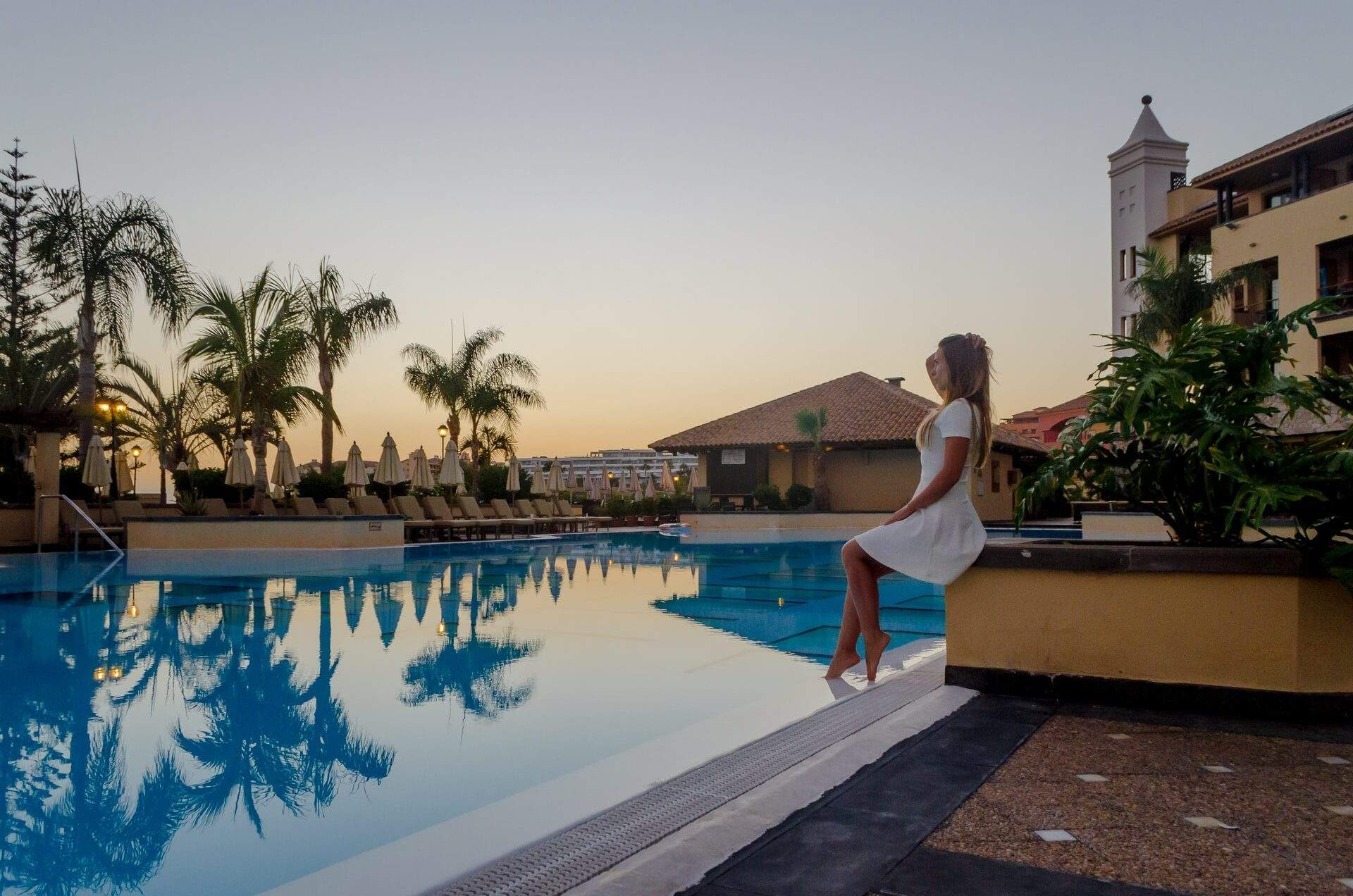 What's the Difference Between a Hotel, Motel and Resort?